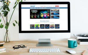 Ordenador con la nueva web de vapeos